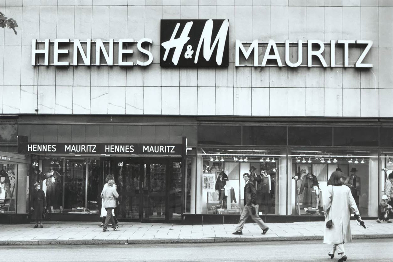 history of h m H&m, oh how we love it ever so much it's the only store we can stroll into knowing that somewhere, on the shelves, there will be new things to buy — even if we visited the day before it's the only store we can stroll into knowing that somewhere, on the shelves, there will be new things to buy — even if we visited the day before.