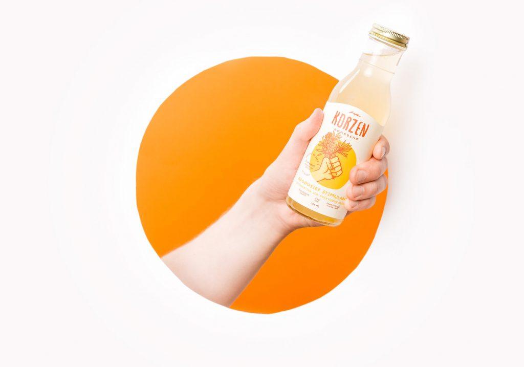 Желтый цвет в упаковке продукта